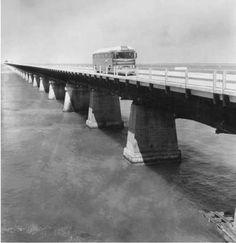 The original Seven Mile Bridge (aka Overseas Highway), built between as the Overseas Railroad. Key West Florida, Old Florida, Vintage Florida, Florida Keys, South Florida, Key Photo, Bus Travel, Old Images, American History