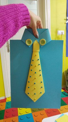 #artesaniasfaciles Daycare Crafts, Preschool Crafts, Fun Crafts, Crafts For Kids, Arts And Crafts, Paper Crafts, Diy Paper, Fathers Day Art, Fathers Day Crafts