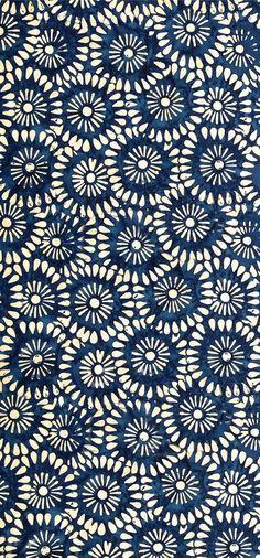 """Tonga Batik Kiss"" Indonesian batik (ink and wax) print in blue/indigo Motifs Textiles, Textile Patterns, Color Patterns, Print Patterns, Floral Patterns, Textile Pattern Design, Indian Patterns, Floral Designs, Motif Floral"