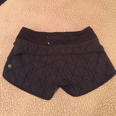 Lululemon Run Speed Shorts. GREAT CONDITION!! Lululemon Run Speed Shorts. 4-way stretch. Black diamond palm deep print. Hardly worn. GREAT CONDITION!! Selling them because I do not wear them enough. // Sizing: 4 in lulu, 2 in women's. // Willing to negotiate listed price! Originally listed at $50. lululemon athletica Shorts