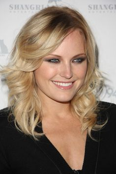 Malin Akermans bright, blonde hairstyle
