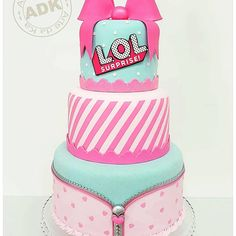 LOL Surprise Dolls Birthday Cake Doll Birthday Cake, Pizza Party Birthday, Funny Birthday Cakes, Bithday Cake, 7th Birthday, Teen Cakes, Girl Cakes, Lol Doll Cake, Pop Star Party