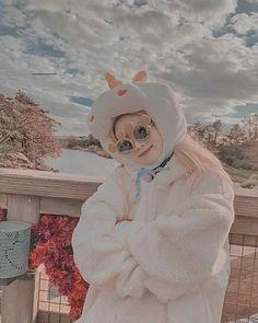 Dahyun One Shots - Dahyun x Jaehyun Nayeon, Neon Aesthetic, White Aesthetic, Twitter Twice, Dance Kpop, Flower Dance, Red Valvet, Twice Dahyun, Bts Chibi