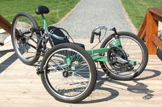 The StreetFox Suspension Tadpole Trike is an easy to build tadpole trike that uses only standard bicycle components. Commute in comfort with rear suspension and adjustable cranks. www.AtomicZombie.com