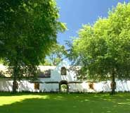 Rust en Vrede Restaurant, Stellenbosch Picture: Front View - Check out Tripadvisor members' 657 candid photos and videos. South African Holidays, South African Wine, Vacation Places, Cruise Vacation, Cape Dutch, Dutch House, Best Places To Eat, Beautiful Places To Visit, Cape Town