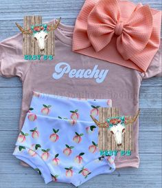Peachy Set This set will be available exclusively at Baby Bs Southern Boutique! Add the VIP page on Outfits Niños, Cute Baby Girl Outfits, Toddler Outfits, Kids Outfits, Trendy Baby Clothes, Baby Kids Clothes, My Baby Girl, Baby Love, Baby Girls
