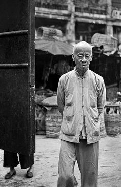 The Living Theatre — Fan Ho Photography Fan Ho, Hong Kong, Royal Society Of Arts, Urban Life, Street Photographers, Life Photography, Digital Photography, Film Director, Short Film