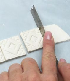 Making polymer clay tiles l Excellent tutorial for really personal, surprisingly easy to make tiles that can easily replace those expensive designer ones. After baking, paint or decorate any way you like.