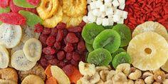 Pensa-se que a desidratação é o processo mais antigo de preservação e o menos dispendioso, quando comparado com a congelação e o enlatamento. Um alimento desidratado tem uma ...