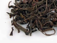 PEACH FLOWER OOLONG - Mi Lan Xiang Dan Cong, Honey Orchid Oolong, Phoenix Oolong - A fresh and vibrant oolong tea from Guangdong Province. A fruity aroma, full of peaches, longan and orchid with a smooth and mellow flavour and a sweet aftertaste.