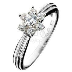 Strieborný prsteň 925 - zirkónový kvet, vystúpený pásik po obvode