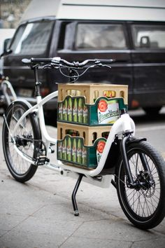 Beyond the beer, you will see a brilliant bike. DOUZE-Cycles Cargobikes