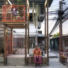 Image 8 of 19 from gallery of Klong Toey Community Lantern / TYIN Tegnestue Architects. Photograph by TYIN Tegnestue Architects Timber Architecture, Contemporary Architecture, Contemporary Design, Landscape Architecture, Architecture Design, Urban Furniture, Street Furniture, Farm Stay, Built Environment