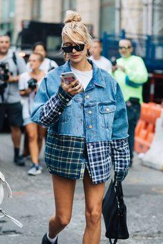 Revue en images des meilleurs looks de rue pris sur le vif par Sandra Semburg à la sortie des défilés printemps-été 2018 de New York.