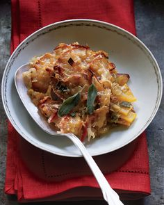Apple, leak + butternut squash gratin > a savory and sweet side dish for chicken or pork