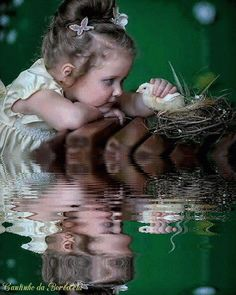 LITTLE GIRL, WATER REFLECTION GIF