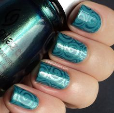 Oooh, Shinies!: A England Galahad stamped with China Glaze Deviantly Daring and MASH plate 40.