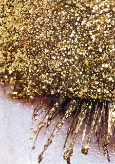 gold glitter eyeshadow
