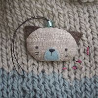 Little cat - pendant filled with lavender (linen/felt)