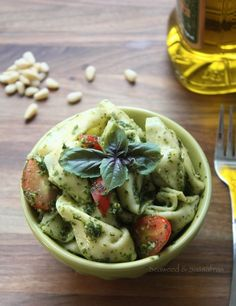 Easy Kale and Pesto Tortellini. More inspiration at Bed and Breakfast Valencia Spain: http://www.valenciamindfulnessretreat.org