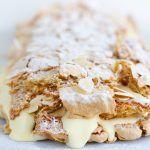 Amandel-meringue rol met citroenroom