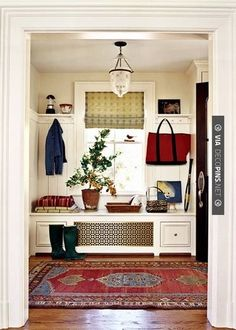 | CHECK OUT MORE MUDROOM FURNITURE IDEAS AT DECOPINS.COM |