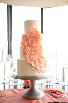 modern floral cake by http://www.weddingcakesbyjill.com/  Photography by elizabethscottphotography.com