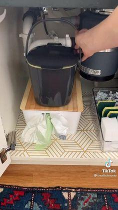Under Kitchen Sink Organization, Office Organization At Work, Home Organization Hacks, Organizing Your Home, Organising, Closet Organization, Useful Life Hacks, Küchen Design, Home Hacks