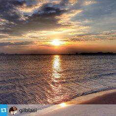 Bona nit #aRoses ... Mil gràcies per compartir #visitroses amb nosaltres @gilblasi --- #VisitRoses #aRoses #MySummeraRoses #InCostaBrava #descobreixcatalunya #clikcat #catalunya_experience #catalunya