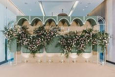Wedding Backdrop Design, Wedding Reception Backdrop, Green Wedding Decorations, Backdrop Decorations, Wedding Mint Green, Floral Wedding, Bridal Boutique Interior, Wedding Photo Walls, Wedding Designs