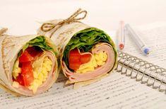 Πρωταρχικός στόχος θα πρέπει να είναι η κατανάλωση τροφίμων με υδατάνθρακες, για να παρέχουν γλυκόζη στο παιδί. Διατροφικές επιλογές για καλύτερες επιδόσεις την νέα σχολική χρονιά Quick Healthy Lunch, Healthy Snacks, Healthy Eating, Healthy Recipes, Grilled Chicken Ceasar Salad, Breakfast Wraps, Good Food, Yummy Food, Baked Chicken Breast