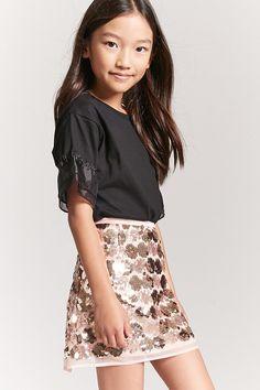 Forever 21 Girls Sequin Mini Skirt (Kids) Any little girl would love this sequin skirt! Winter Outfits For Girls, Teen Girl Outfits, Cute Outfits For Kids, Teenage Outfits, Girls Maxi Dresses, Cute Girl Dresses, Zara Kids, Preteen Fashion, Girl Fashion