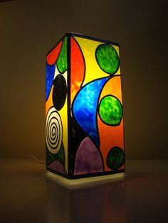 8 Mind Blowing Tips: Rustic Lamp Shades Couch bell lamp shades ideas. Stained Glass Lamp Shades, Stained Glass Light, Stained Glass Panels, Stained Glass Projects, Stained Glass Patterns, Bottle Painting, Bottle Art, Lampe Tube, Glass Painting Designs