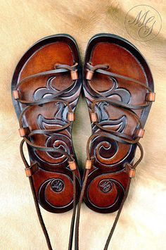 Leather Art, Leather Tooling, Leather Sandals, Shoes Sandals, Mode Shoes, Shoe Shop, Summer Shoes, Me Too Shoes, Fashion Shoes