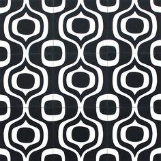 SEVEN KALEO NOIR Nos carreaux de ciment, traditionnels et intemporels, sont réalisés manuellement, offrant ainsi de subtiles nuances dans chaque coloris.