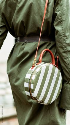 London Fashion Week Street Style has the best outfit inspiration. Click here fore more.