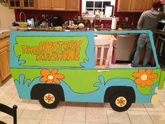 Scooby doo party. Photo booth mystery machine