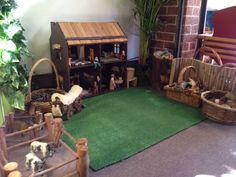 House play area with blocks, natural found materials, green carpet that looks like grass ≈≈ at Puzzle Family Day Care ≈≈ Dramatic Play Area, Dramatic Play Centers, Play Spaces, Learning Spaces, Learning Environments, Role Play Areas, Home Daycare, Daycare Ideas, Family Day Care