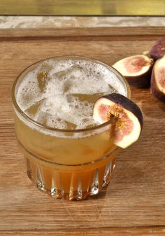 Fall (and also Winter!) cocktails for #SuperBowl halftime  --> http://blog.hgtvgardens.com/bar-exam-fill-your-glass-full-of-fall/?soc=pinterest