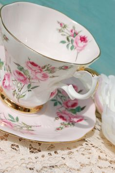 ROYAL ALBERT Pink Vintage Bone China Tea Cup