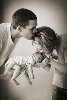 Interesting family pose! Pass the love. Learn what to keep in mind when searching for a #baby #name