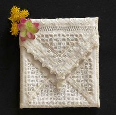 Broderie et Tricot - Embroidery and Knitting: Hardanger Jours Reticello Cilaos Schwalm Punto-Antico Blackwork Châles Shawls Echarpes Scarves