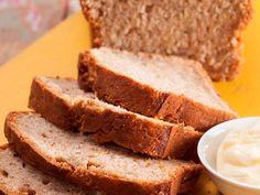 Uit die Huisgenoot kombuis: Piesangbrood