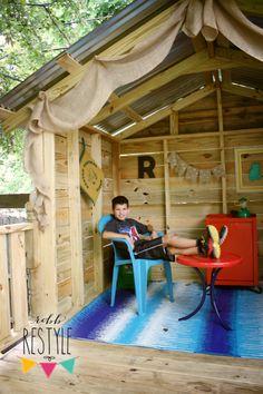 DIY Backyard Hideaway Playhouse Part 1 - Robb Restyle Outside Playhouse, Backyard Playhouse, Build A Playhouse, Wooden Playhouse, Backyard Retreat, Outdoor Playhouses, Playhouse Ideas, Backyard Ideas, Simple Playhouse