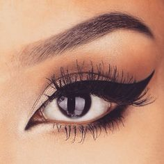 How To Put on Liquid Eyeliner ❤ liked on Polyvore featuring beauty products, makeup, eye makeup, eyeliner, liquid eyeliner and liquid eye liner