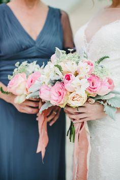 rose bouquet - photo by Izzy Hudgins http://ruffledblog.com/inspiring-summer-wedding-looks #weddingbouquet #bouquets