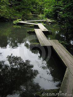 SURPLOMB-AFLEUREMENT La Passerelle De Kapla Landscape Architecture, Landscape Design, Garden Design, Wooden Path, Land Art, Pathways, Water Features, Garden Landscaping, Backyard