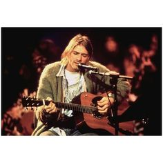 Kurt Cobain ❤ liked on Polyvore featuring kurt cobain, backgrounds, instagram, nirvana and pics