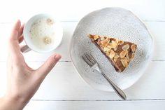 Für die Kaffeepause zwsischendurch: Buchweizen-Walnuss-Kuchen mit Kirschen
