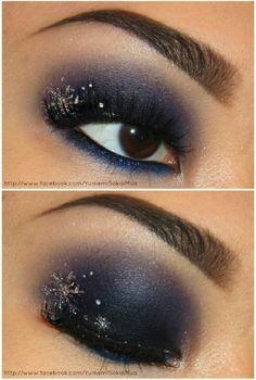 Snowflake Eyes - 10 Stylishly Festive Christmas Makeup Ideas